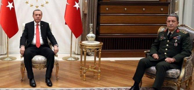Cumhurbaşkanı Erdoğan Hulusi Akar'ı Cumhurbaşkanlığı Külliyesinde kabul etti