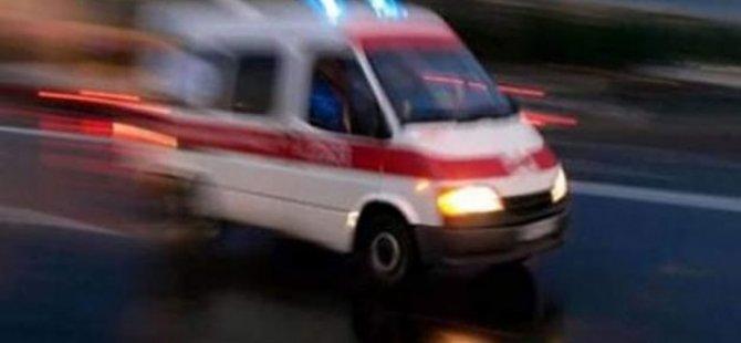 Yolcu otobüsü ile tır çarpıştı: 11 yaralı