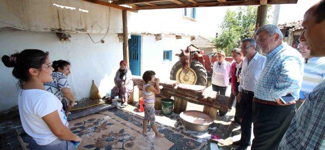 Başkan Karaosmanoğlu, ''Yol medeniyettir''