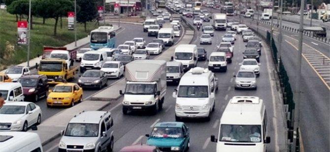 Okullar açıldı trafik çilesi başladı!