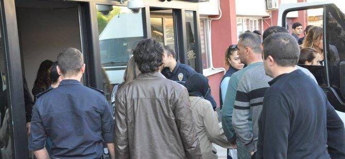 Gebze'de 'Bylock' kullanan öğretmenler tutuklandı