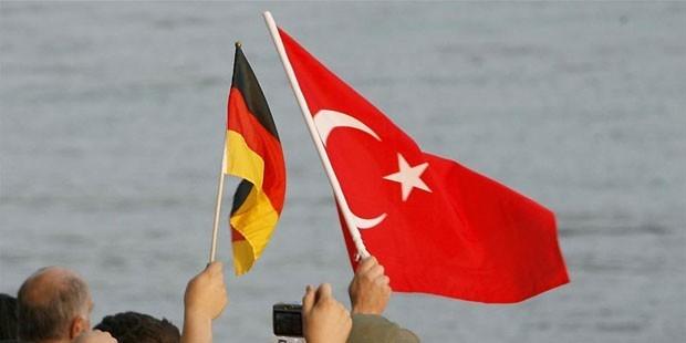 FETÖ ve PKK'ya izin var ama bize yok!
