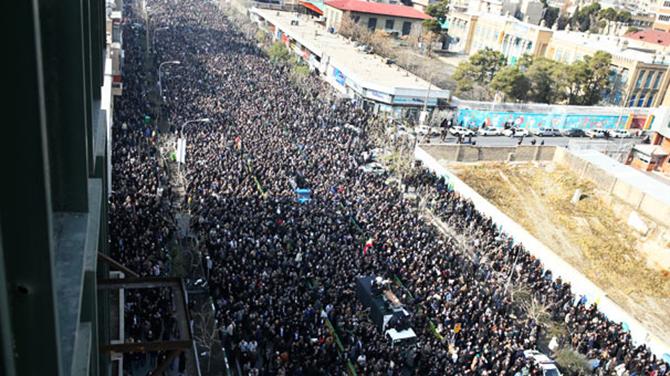 Yüz binlerce İranlı Rafsancani'yi uğurluyor