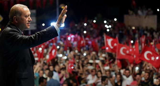 Darbe başarılı olsaydı Erdoğan'ın koltuğuna o oturacaktı