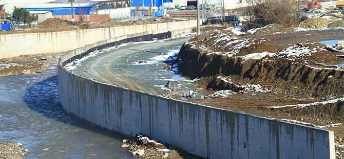 Hisar Deresi Köprülü Kavşağı'nda çalışmalar sürüyor