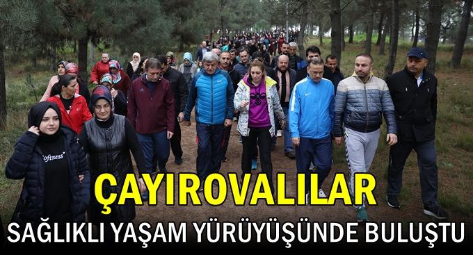Çayırova'lılar Sağlıklı Yaşam Yürüyüşünde Bir Araya Geldi