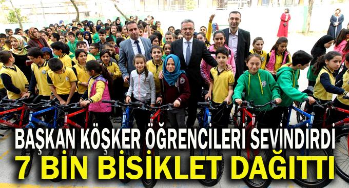 Başkan Köşker'den Öğrencilere Hediye Bisiklet