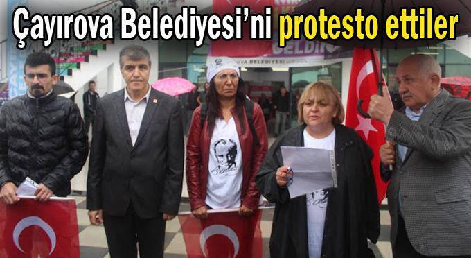Yavuz Bahadıroğlu'na protestolu karşılama!