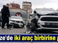 Gebze'de iki araç birbirine girdi