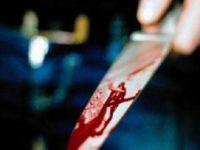 Eşini taciz eden adamı bıçakladı