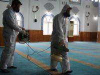 Büyükşehir camileri dezenfekte ediyor