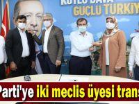 İki meclis üyesi AK Parti'ye katıldı