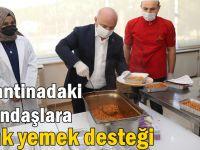 Başkan Bıyık araçla yemek dağıttı