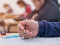 Sınavlar ertelenecek mi?