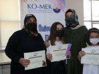 Ev Becerileri ve Anne Çocuk Atölyeleri kursiyerleri belgelerini aldı