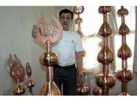 Dünyadaki Camileri Süslüyor