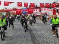 Pedalları Cumhuriyet İçin Çevirdiler