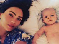 Megan Fox bebeğiyle ilk fotoğrafını paylaştı