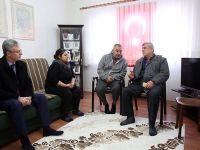 Karaosmanoğlu, El Bab şehidi Albayrak'ın babasını ziyaret etti