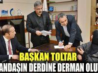 Başkan Toltar, halk gününde vatandaşı dinliyor