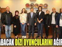 Karabacak Elif dizisinin oyuncularını ağırladı