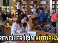 Öğrenciler için kütüphane