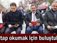 Kitap okumak için buluştular
