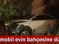 Gebze'de otomobil evin bahçesine düştü