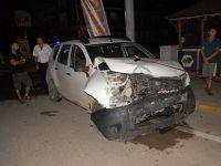 İki otomobil kavşakta birbirine girdi: 5 yaralı