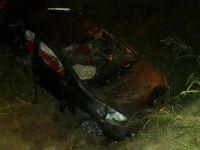 Ehliyetsiz sürücünün kullandığı otomobil takla attı: 4 yaral