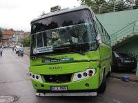 Kontrolden çıkan halk otobüsü otomobile çarptı: 5 yaralı