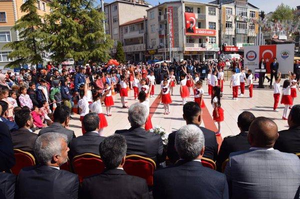 23nisan-ulusal-egemenlik-ve-cocuk-bayram-(1).jpg