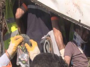 Yolcu otobüsü şarampole yuvarlandı: 37 yaralı
