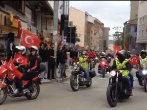 MOTOSİKLETLİ GRUP SOKAĞA DÖKÜLDÜ!