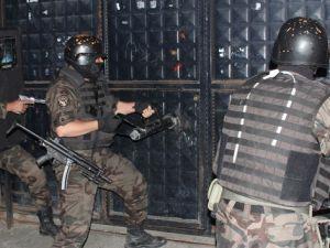 Adana polisinden film gibi narkotik operasyonu