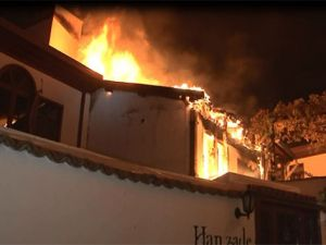 Başkent'te tarihi konakta yangın