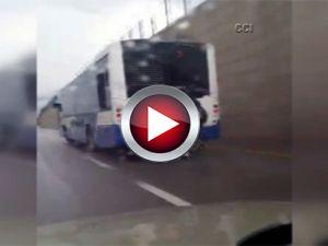 Patenli gençlerin tehlikeli otobüs yolculuğu